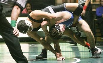 highline-college-wrestling-erick-garcia